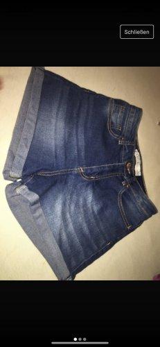 Shorts azul oscuro