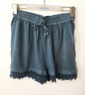 Short, kurze Hose, Bermudas mit sexy Spitze am unterem Rand