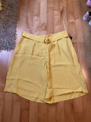 Short von Esprit in Größe 44 in Gelb