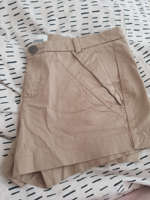 Bershka Shorts beige-color cammello