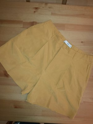 Mango Pantalón corto de talle alto amarillo