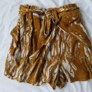 Shorts Batikmuster