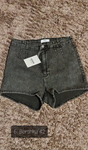 Shorts Bershka gr. 40/42