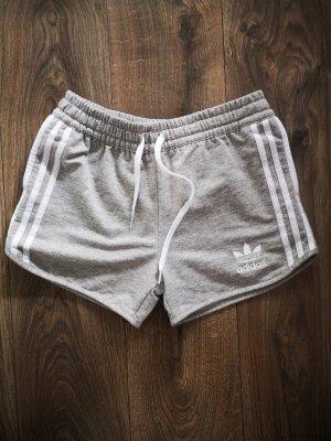 Adidas Szorty sportowe biały-jasnoszary