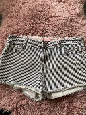 shorts gestreift