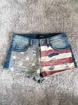 Shorts in American-style