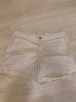 Shorts in beige