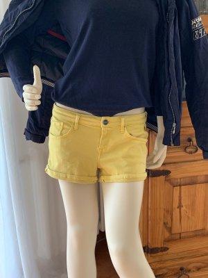 Shorts in Gelb von Replay