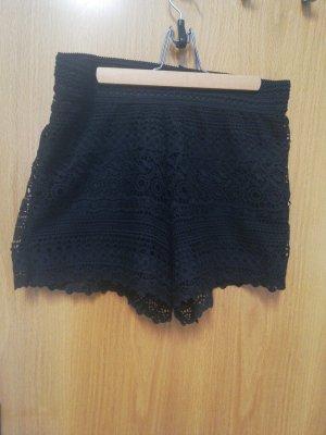 Shorts in Häkeloptik