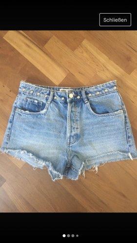 Shorts in hellblau