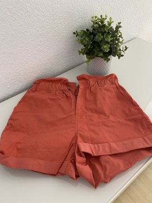 Shorts in korall