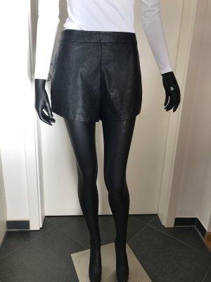 Shorts in Lederoptik von Hollister