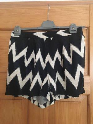 Shorts kurze Hose von H&M Grösse 36 schwarz weiß