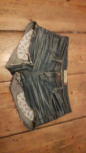 Shorts, low waiste