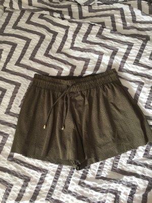 Shorts mit Schnürbändern