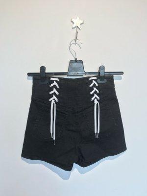 Shorts mit Schnürung