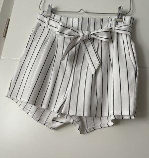 Shorts Mit Tasche Und Selbstgürtel