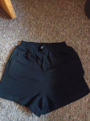 Pantalón corto deportivo negro-gris claro