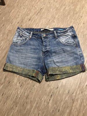 Shorts von Zara mit Verzierung