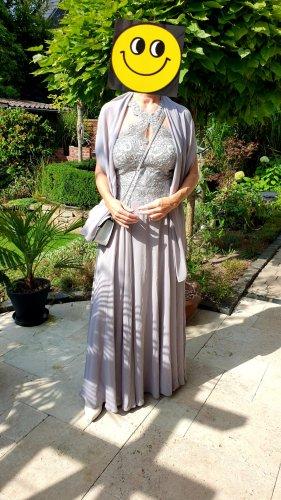 Sibergraues Abendkleid von Vera Mont