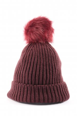 Sienna Bobble Hat red cable stitch casual look