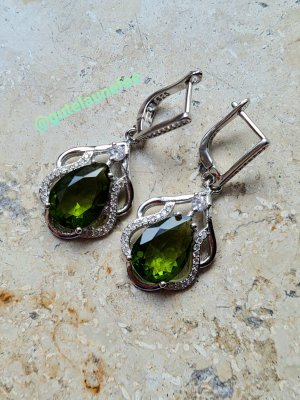 Silber Ohrringe mit grünen Peridot Steinen * 925 Sterling Silber gestempelt