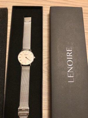 Silber Uhr mit schimmerndem Ziffernblatt