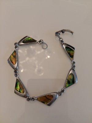 Silberarmband mit Steinen