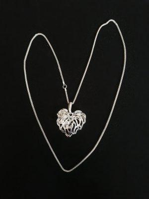 Silberfarbende Herz Kette