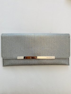 Silberfarbene Clutch