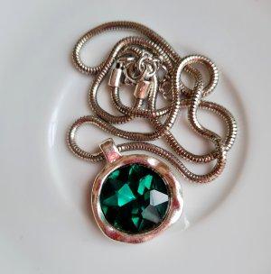 silberfarbene Kette mit grünen Glass Stein in used look