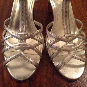 Silberfarbene Sandaletten,Größe 38