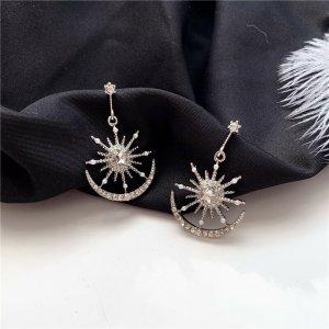Silberfarbenen Ohrringe Mond Sternchen mit Zirkonia Steinen und künstliche Perlen vintage retro