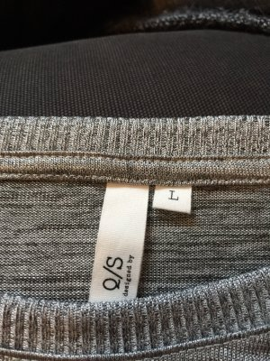 Silberfarbenes Shirt