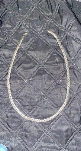 Cadena de plata color plata