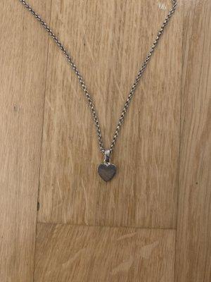 Silberkette mit Herzanhänger