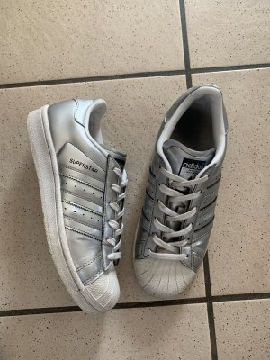 Silberne Adidas Superstar