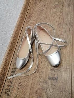Silberne Ballerinas