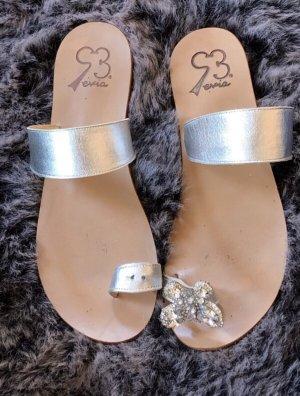 Evia Flip-Flop Sandals silver-colored-light grey