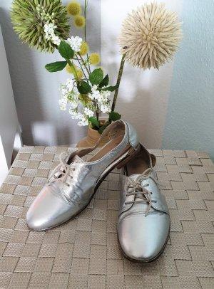 silberne Halbschuhe, Schnürschuhe aus Leder mit cut-outs von asos