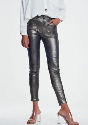 Silberne Hose mit Glitzereffekt