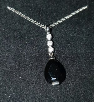 Collier noir-argenté