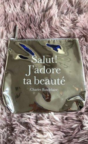 Silberne Kosmetiktasche