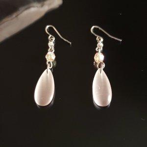 Boucle d'oreille incrustée de pierres argenté-beige clair