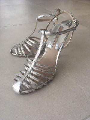Silberne Riemchen-Sandalen von Zara