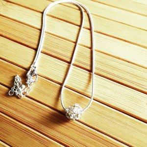 Silberne Schlangenkette,  größenverstellbar,  mit Strass Kügelchen