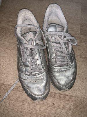 Silberne Schuhe