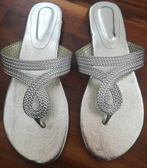 Toe-Post sandals light grey