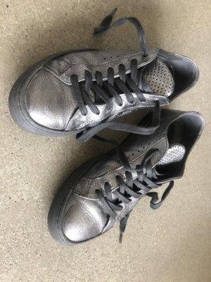 Silberne Sneaker von Fillipa K, Größe 39 (etwas kleiner)