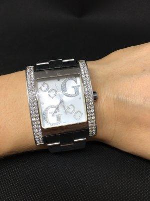 Silberne Uhr von Guess